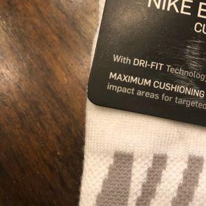 Nike Accessories - Nike 3 pk Everyday Max Low Cut Socks Sz 6-10